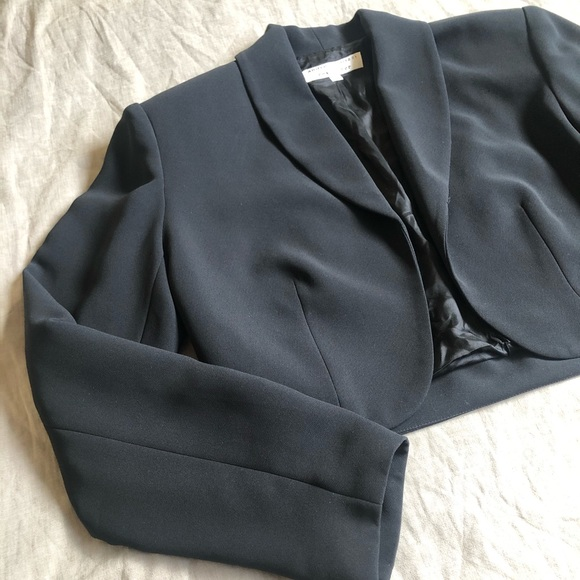 rex lester Jackets & Blazers - Cropped Black Dress Jacket